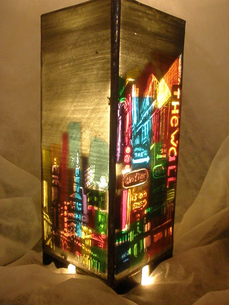 Neon-cityscape-lamp-painted-and-mosaic-glass-25x10x10cm